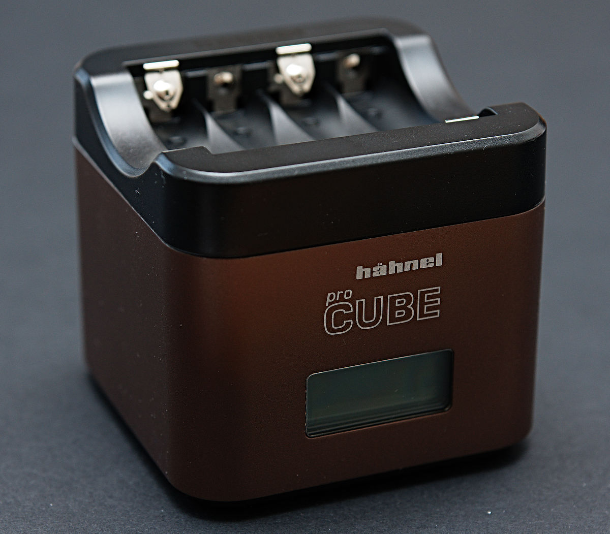 hahnel procube battery charger with aa battery plate