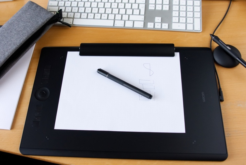 The Wacom Intuos Pro Paper Edition Review | Visuals Producer