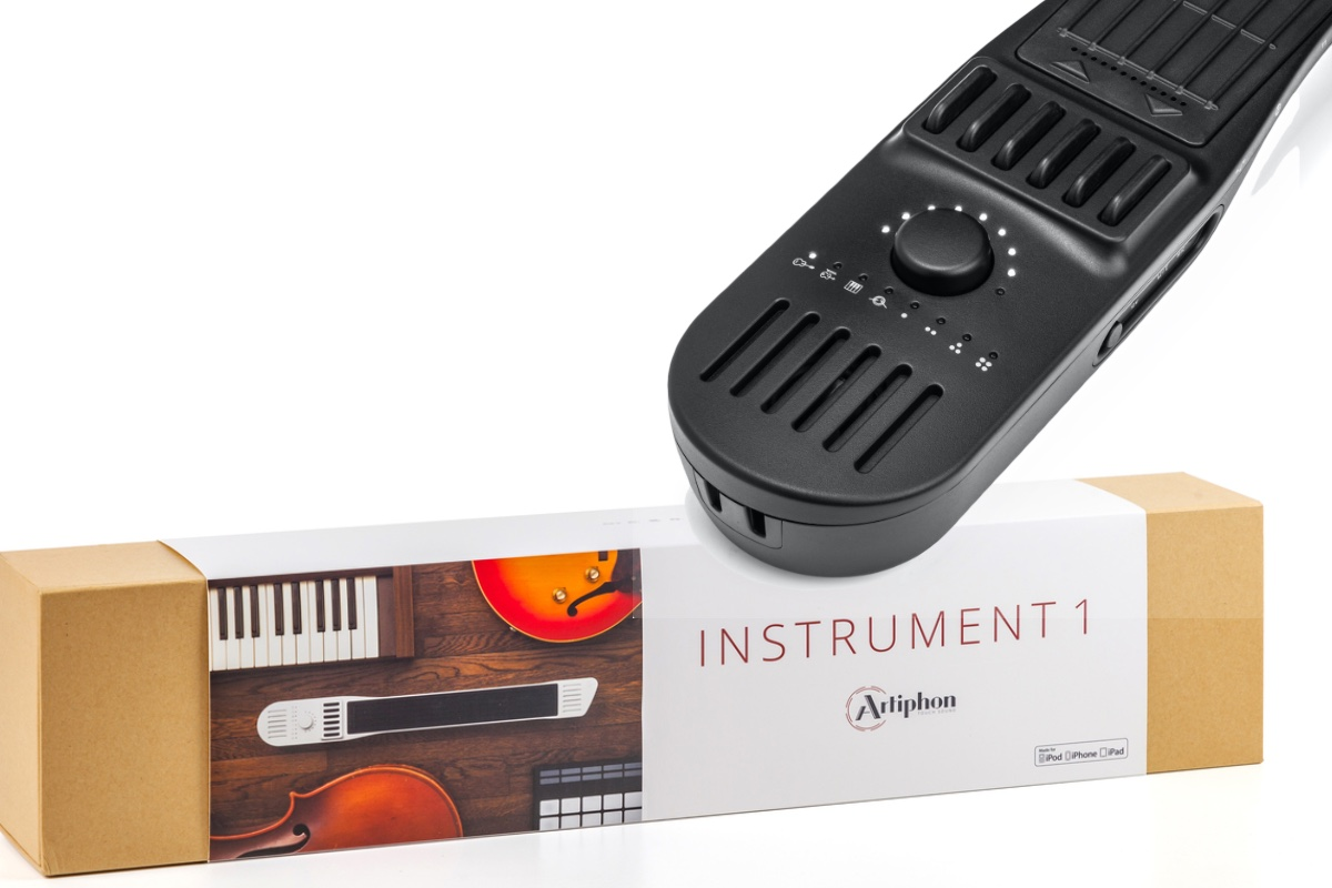 Instrument 1 MIDI controller – Visuals Producer review